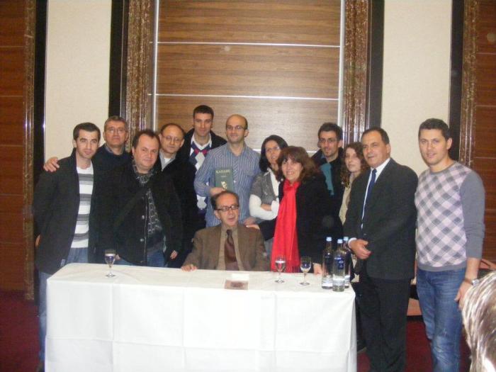 Diaspora shqiptare , KADARE